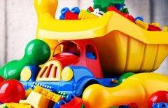 宝宝的塑料玩具脏了怎么清洗?